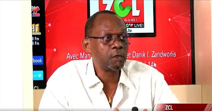 Gérard Poumaroux, directeur de l'Artchipel, sur le plateau du ZCL, diffusé sur Canal 10, le 24 octobre dernier